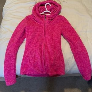 XS bench. Women's fleece zip up